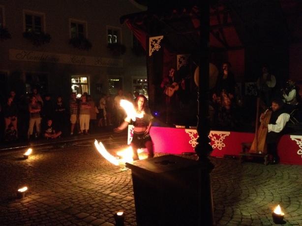 Mit dem Feuer gespielt